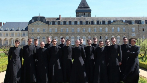 communauté saint martin ordinands-scaled-1050x600.jpg