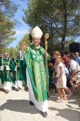 Mgr Rey cotignac-500_benediction-de-mgr-rey.jpg